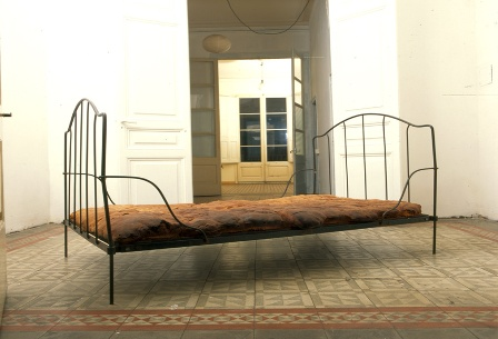 Jana Sterbak Bread Bed 1996.jpg